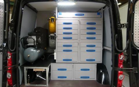 uw partner voor metalen inrichtingen en toebehoren voor bestelwagen en servicewagens
